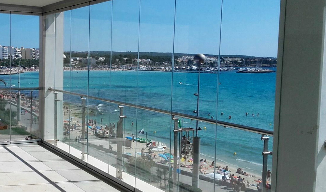 Glass curtains in Mallorca